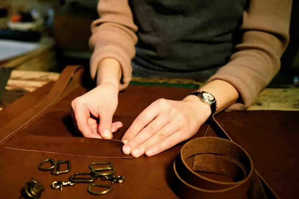 Fitting Hardware on Leather - Indian Leather Manufacturer